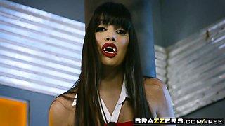 Brazzers - Brazzers Exxtra - Vampirella A XXX