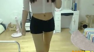 I love this sexy Korean camgirl cuz she is such a tease
