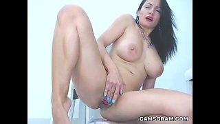 Good Looking Milf Chick Squirts Over Herself While Masturbating