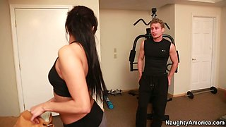 Thirsting for cock juice slutty brunette Gia Steel kneels for giving a blowjob