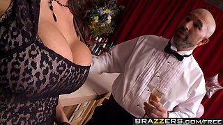 Brazzers - Milfs Like it Big - Sometimes I Fuck Anything scene starring Ariella Ferrera