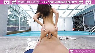 VR PORN-Brunette get fucked hard by the pool