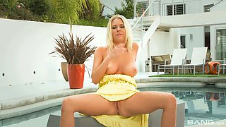 Stunning blond babe Riley Evans guzzles hard pole and gets her slit fucked by the pool side