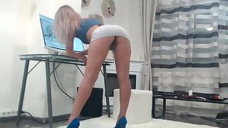 Renee Pornero College slut Babysitter Licked And Fucked By Older Man