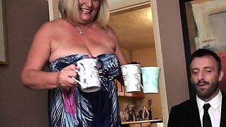 Big british bdsm broad squirts during fucking