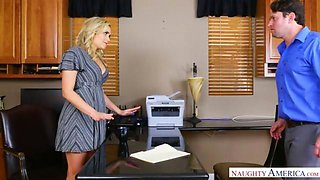 Mia Malkova- Fuck in Office