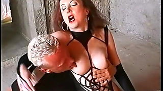 Red-Dungeon Diva