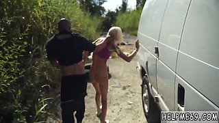 Strap play domination and celeb rough Halle Von is in town on vacation with her