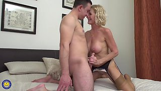 molly maracas – british horny housewife