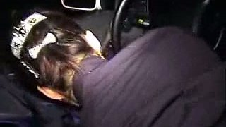 Effortlessly seductive Chinese hoe gives her man a nice BJ in his car