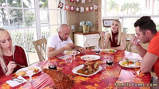Daddy does xxx Spanksgiving With The Family