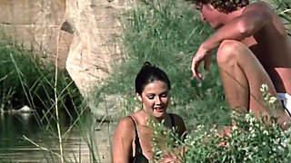 Lynda Carter - Hot And Nude - Bobbie Jo and the Outlaw