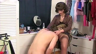 Mom caught son's masturbatsyey her panties ...
