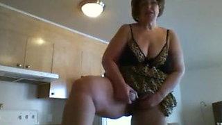 Dirty BBW Granny Standing Masturbating