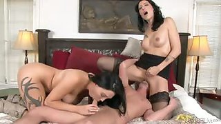 Mom makes daughter share her boyfriend in a family threesome