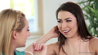 Kate England has a great time while seducing Melissa Moore