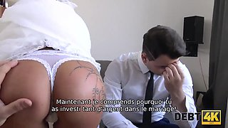 Slutty bride cheats on the husband for cash