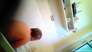 spying on my chubby mom 50 in bath