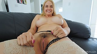 Trimmed pussy blondie Sarah moans with pleasure while masturbating