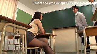 Exotic Japanese whore in Amazing Cougar, Cunnilingus JAV clip
