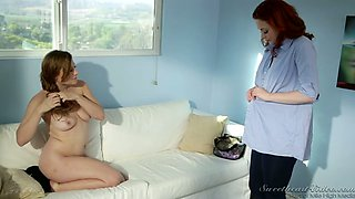 Duet of curvy milk skinned angels in passionate lesbian scene
