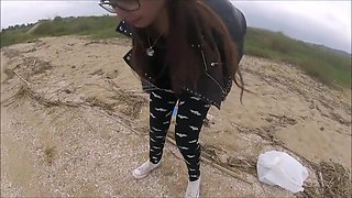 cute teen pissing on beach ( 6x piss )
