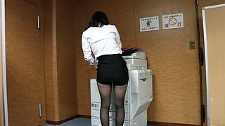 office girl tease ripped pantyhose (non-nude)