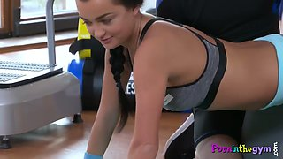 gym babe fingered before doggystyle sex