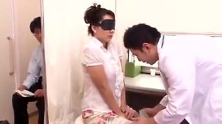 Fake doctor to fuck japanese wife