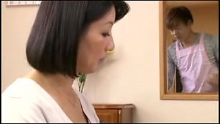 Japanese MILF getting a big orgasm