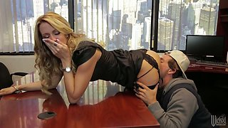 Divine blonde mommy Jessica Drake is nailed really well