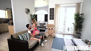 Daisy Stone In Cheating GF Busted Banging