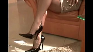 Hot mother i'd like to fuck in blouse and nylons gives a footjob