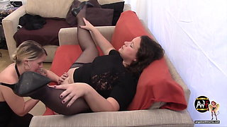 UK Bareback Casting Couch Slut Fisted, Squirts and gets DP