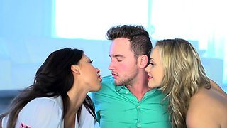 Brazzers - Big Tits at School - August Taylor