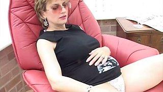 Lady sonia pregnant 2