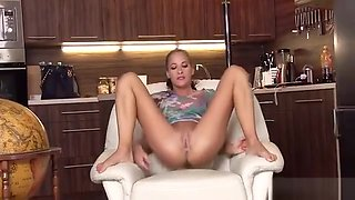 Frisky Czech Girl Opens Up Her Tight Snatch To The Peculiar3