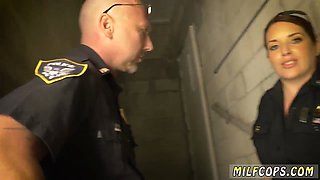 Amateur milf housewife xxx BreakIn Attempt Suspect has to ravage his way out of pripals