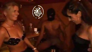 Orgy in german swingersclub