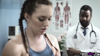 Maddy approaches doctor Tyler seductively