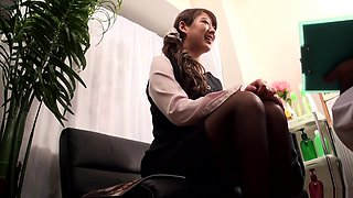 Sexy Asian office lady, Kanon Takikawa gets amateur dick ride