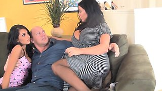 Bigtitted milf titfucked after taboo trio sex