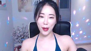Korean sexy babe teasing in bikini