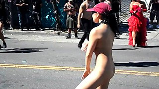Wild amateur babe shows off her naked body in a public place