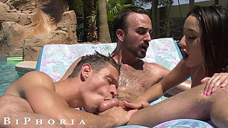 BiPhoria - Couple Both Seduced By Oil Master On Vacation