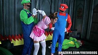 Brazzers - Mario and luigi parody double stuff
