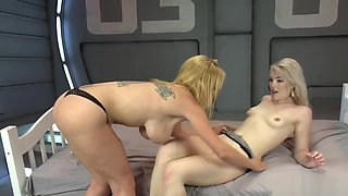 Lesbians Fist and Fuck Anal Machine
