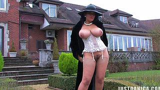 Danica Collins aka Donna Ambrose - Taking a stroll