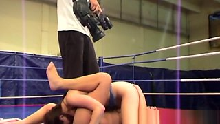 Wrestling Lesbos Enjoy Sixtynine Action