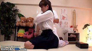 Jav masseuse cant resist to 18yo schoolgirl